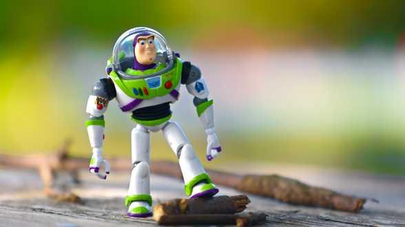 Disney schrapt Harvey Weinstein-achtige sketch uit 4K-release van 'Toy Story 2' - Actueel