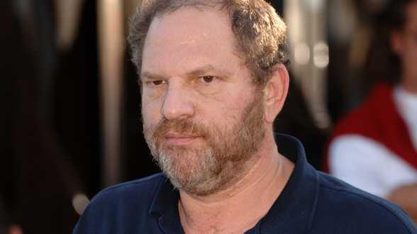 Weinstein pleit onschuldig, proces uitgesteld tot volgend jaar - Actueel