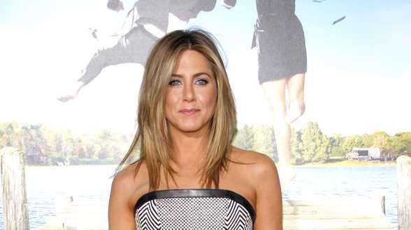 Jennifer Aniston zegt dat Friends-acteurs samen aan 'iets' werken - Actueel