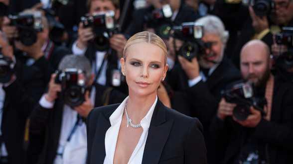 Charlize Theron: Ik werd aangerand door een bekende regisseur - Actueel