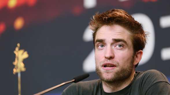 Robert Pattinson overweegt uitstapje naar de porno-industrie - Actueel