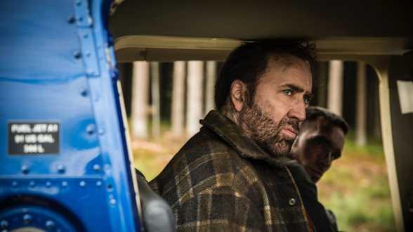 Nicolas Cage brengt nieuwjaar door in bescheiden Britse pub - Actueel