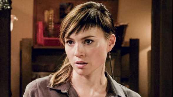 Erika Van Tielen speelt escorte in 'Familie' - Actueel