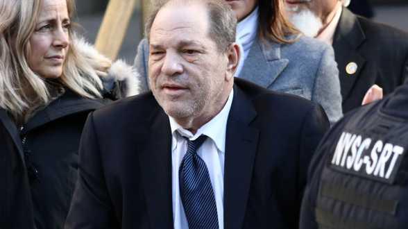 Harvey Weinstein krijgt vandaag zijn straf te horen, maar vraagt op de valreep clementie - Actueel