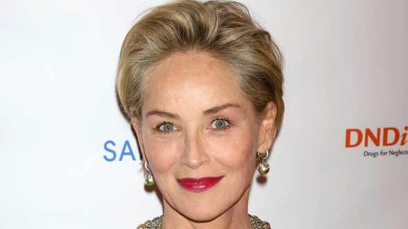 Sharon Stone stuurt een boodschap van steun naar het Italiaanse Rode Kruis - Actueel