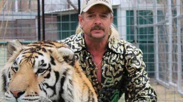 Trump onderzoekt of Tiger King Joe Exotic een presidentieel pardon verdient - Actueel