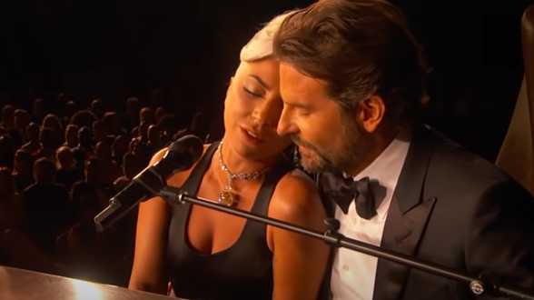 Lady Gaga haastte zich na Oscars naar Taco Bell... met diamant van 30 miljoen - Actueel