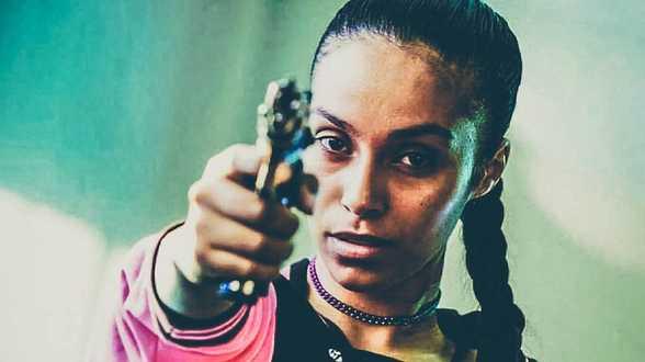 Nora Gharib bevalt van eerste dochter - Actueel
