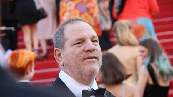 Harvey Weinstein beschuldigd van nog drie verkrachtingen - Actueel