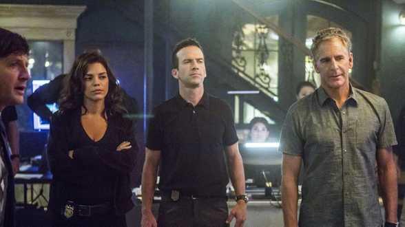 'NCIS'-cast klaagt zender CBS aan na inval van échte politie tijdens opnames - Actueel