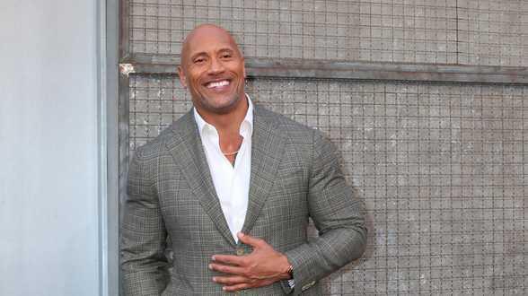 Dwayne 'The Rock' Johnson: Vader wou niet dat ik professioneel worstelaar werd - Actueel