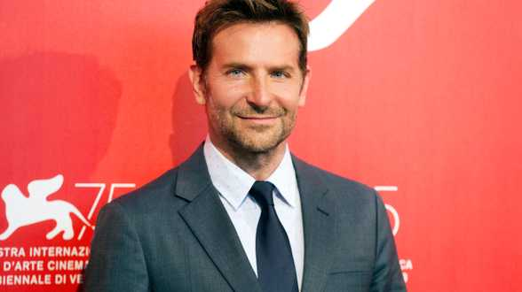 Ex-vrouw Bradley Cooper over co-ouderschap: Bradley is een fantastische papa - Actueel