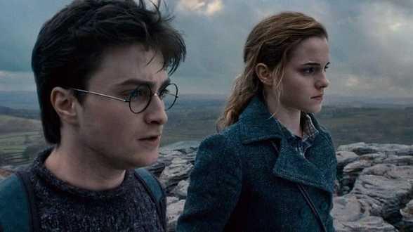Filmattributen Harry Potter onder de hamer voor goed doel - Actueel