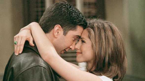 Koppeltje in de serie, maar slaat de vonk nu ook in het echt over tussen deze twee 'Friends'-acteurs? - Actueel