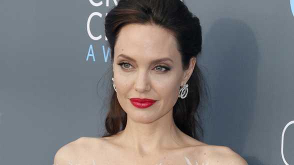 Angelina Jolie openhartig over aanranding Harvey Weinstein: Het deed pijn dat Brad nog met hem samenwerkte - Actueel