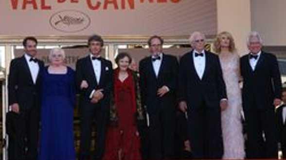 De familie Dern komt aan in Cannes om 'Nebraska' te ondersteunen! - Actueel