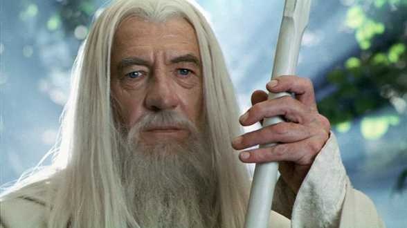 Ian McKellen verrast fans bij eerste vertoning The Hobbit - Actueel