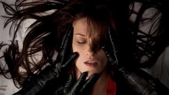 L'étrange couleur des larmes de ton corps - Bespreking