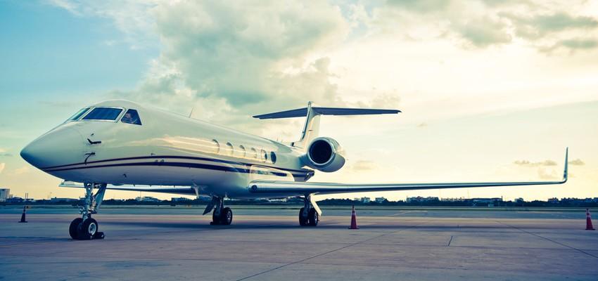 Des célébrités se rendent à une conférence sur le climat en jet privé et fâchent la toile