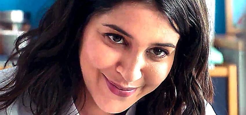 Leïla Bekhti profite du confinement pour balancer des photos dossiers sur ses amis