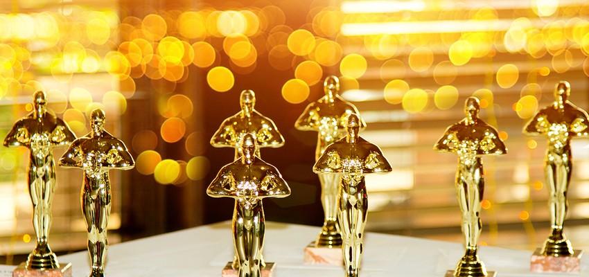 Anthony Hopkins reçoit l'Oscar du meilleur acteur pour