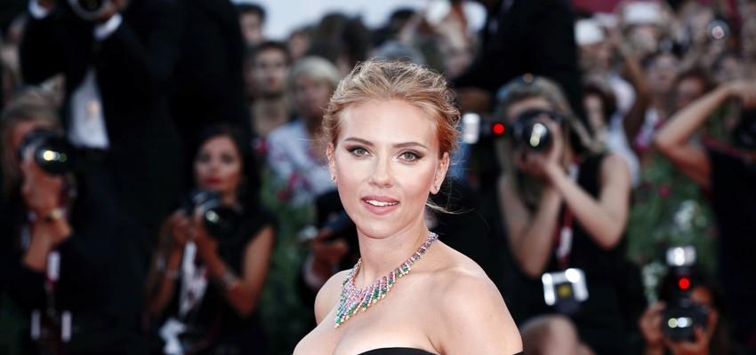 Scarlett Johansson réagit et dénonce les remarques sexistes lors d'interviews