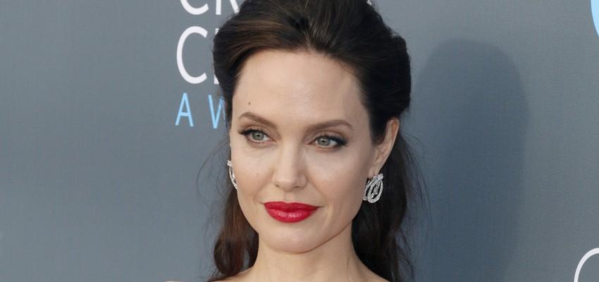 L'actrice américaine Angelina Jolie soutient des réfugiés maliens au Burkina