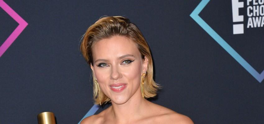 Rami Malek en Scarlett Johansson presenteren Golden Globes-prijzenceremonie