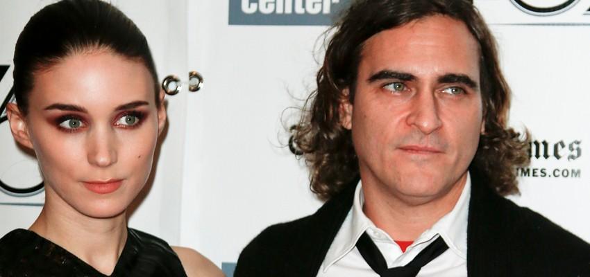 Joaquin Phoenix vernoemt zijn zoon naar zijn overleden broer River