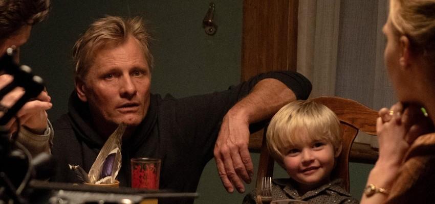 Viggo Mortensen toert met auto door Europa ter promotie nieuwe film