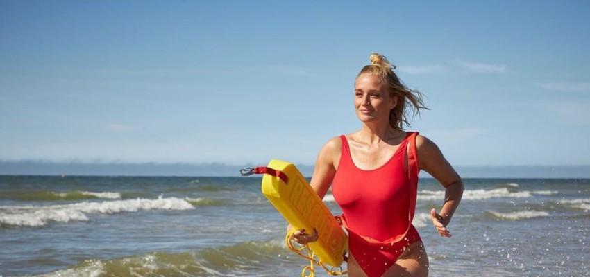 Julie Vermeire gaat Pamela Anderson achterna in nieuwe reeks 'De Redders'